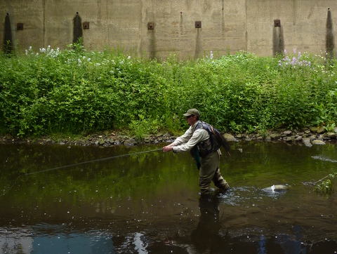 Stuart Crofts fishing Sheffield Don