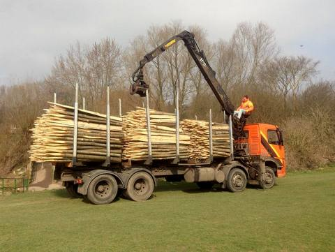 Chestnut posts arriving at Watermills Park - Aquamaintain