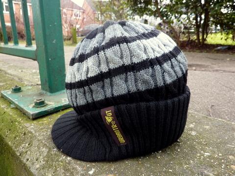 Black stripe Urbantrout beanie hat