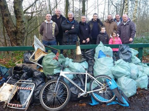 River cleanup - Mersey Basin Rivers Trust